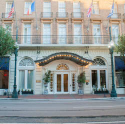 3-Star Lafayette Hotel in New Orleans from $65/nt