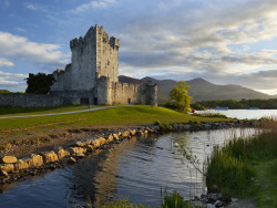 6Nt Ireland 4-City Flight & Hotel Pkg w/ Car