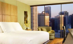 4Nts at the 4-Star Dana Hotel in Chicago: $95/nt